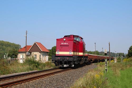 202 459 mit Flachwagen (Betonschwellen) Zeitz - Weißenfels