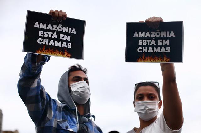 Atos pela Amazônia e contra política ambiental de Bolsonaro se espalham pelo país