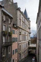 13594-Pau