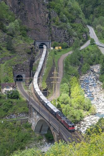 VSOE crossing the Ticino
