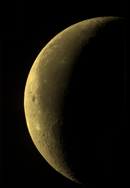 Waning crescent moon 2019-08-26