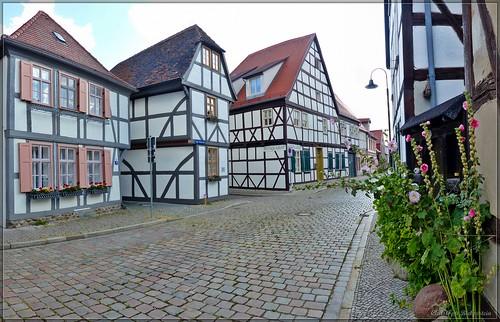 Tangermünde - Lange Fischerstraße mit Haus
