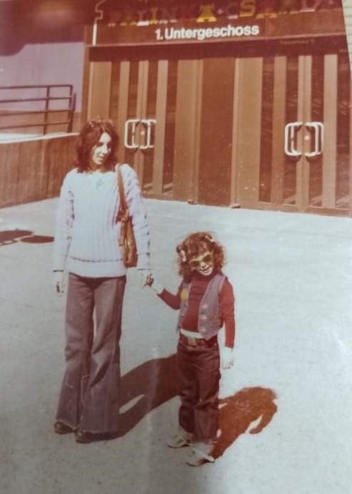Marijane e a filha que nasceu no exílio Alemanha