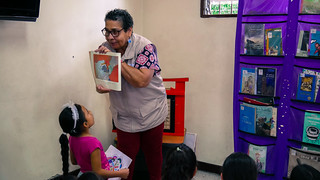 Stand Literario - Picacho con Futuro I P.B. Doce de Octubre