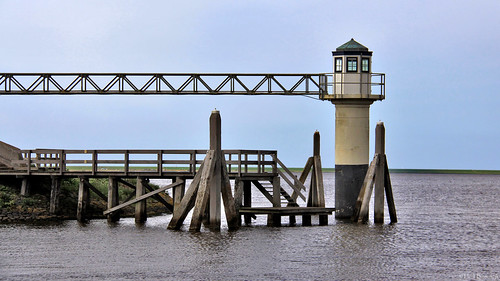 Friesland: Oostmahorn harbour light
