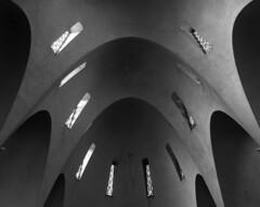 jacques droz, architect: église sainte-jeanne-d'arc, 1924-34