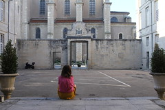 sitting girl - Photo of Valdurenque