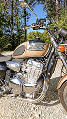 Triumph T'Bird 2000. - Photo of Belan-sur-Ource