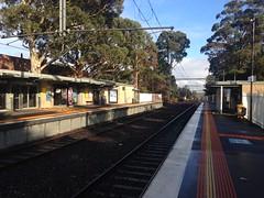 Platforms at Mount Waverley Station