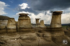 Hoodoos, silents giants
