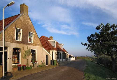 Friesland: Makkum dike street