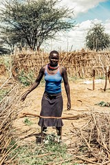 Fixing Fence, Karamojong