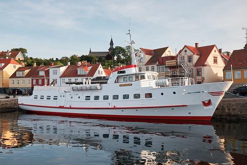 MS Ertholm docked in Gudhjem