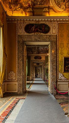 inside Reggia Caserta 2.)1904-4287