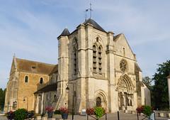 2580 Basilique Notre-Dame-de-Bonne-Garde - Longpont-sur-Orge