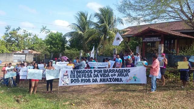 Ato realizado pelo MAB em Porto Grande, município vizinho de Ferreira Gomes, no Amapá. - Créditos: MAB/AP