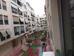 Situado en pleno centro de Benidorm y Avd. de Los Almendros. Pida más información en su agencia inmobiliaria Asegil de Benidorm  www.inmobiliariabenidorm.com