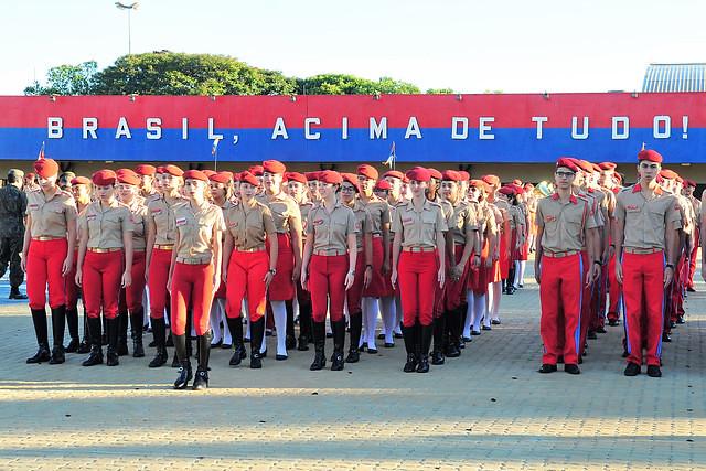 Estudantes do Colégio da Polícia Militar de Ceilândia, no Distrito Federal  - Créditos: Agência Brasília/Divulgação