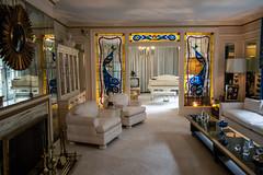 Gracelands Mansion Loungue