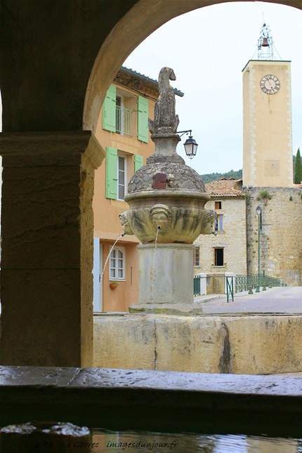 Mollans -sur - Ouvèze  Drome