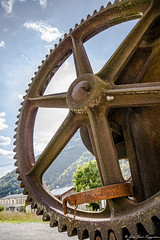 Grue de quai, Thorame-Haute - Photo of Angles