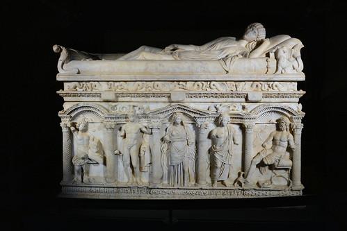 Melfi - Sarcofago di Rapolla