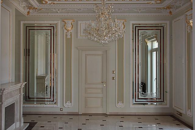 luxusní zrcadlo s fazetami