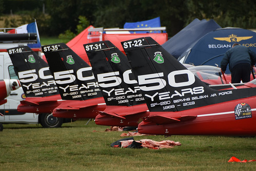 Red devils - SF260 Belgian Airforce @ Schaffen Diest 17-Aug-2019 by Johan Hetebrij