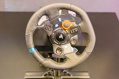 Logitech G29 Driving Force Racing Wheel for PC and PS, with leather and dual-motor force feedback