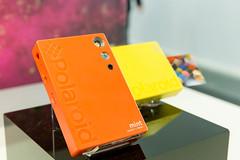 Sofortbildkamera: Polaroid mint shoot + print in bunten Farben
