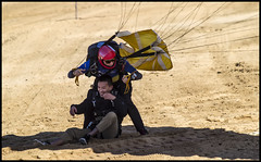 Tandem para landing on Queens Beach Redcliffe-2=