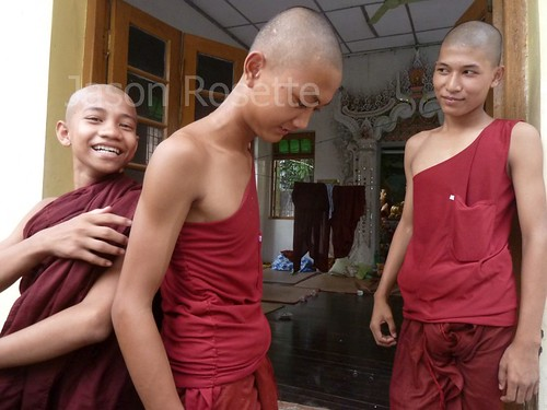 Young monks in Burma hanging out (#2)