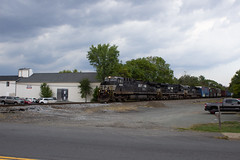 NS4008 leads 13R South in Nokesville, VA