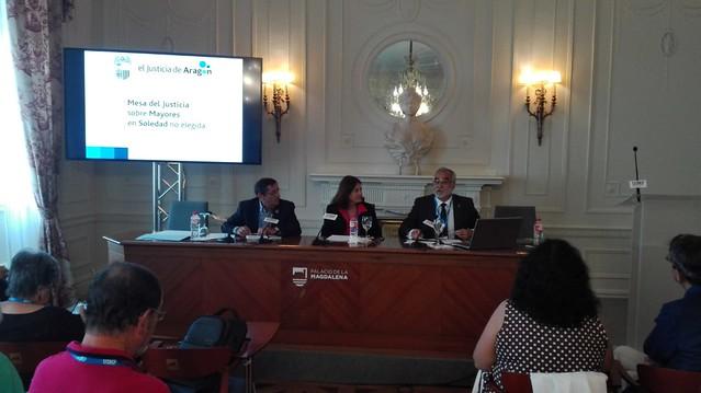 El lugarteniente expone la experiencia de la Mesa de Mayores en Soledad en la UIMP de Santander