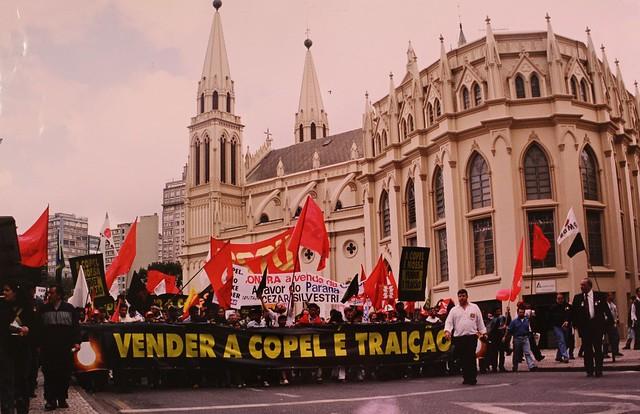 Luta contra a privatização da Copel Telecom no Paraná remete à vitória histórica de 2001 contra o leilão da empresa  - Créditos: Arquivo Senge