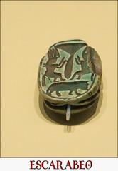 Escarabeo, Antiguo Egipto, Reino Nuevo, 1539-1077 a.C., Hipopótamo, Dos figuras de Bes, Flor de loto,