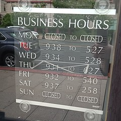 Business hours of an optometrist in White Plains