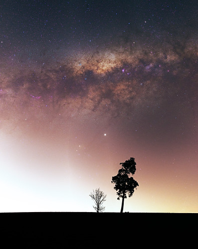 Milky Way above the light pollution of Perth near Bailup, Western Australia