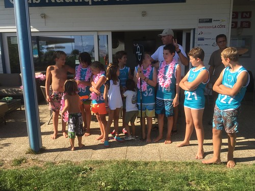 Local kids SUP race in Crans