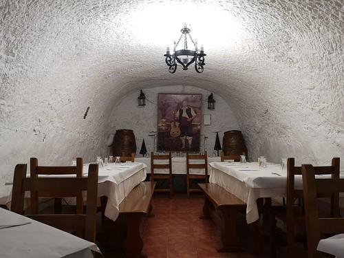 Comedor restaurante en una cueva. El Churro (Fuendejalón, Zaragoza)