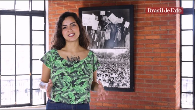 Journalist and presenter Pâmela Oliveira hosts Brasil de Fato's new weekly show produced for English-speaking audiences - Créditos: Screen capture/Brasil de Fato