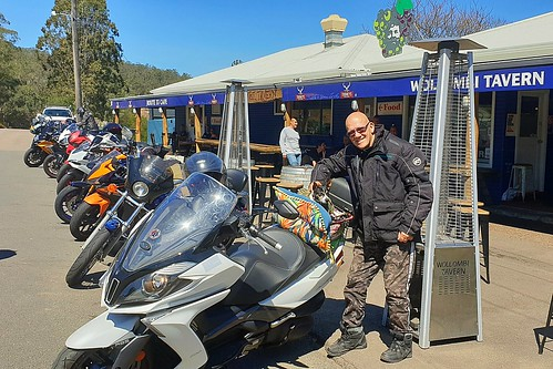 Shanti and myself at the wollumbi tavern on a beautiful day out riding
