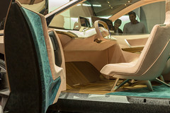 Futuristic E-car: simple interior and display ext to drivers seat of the BMW Vision iNext
