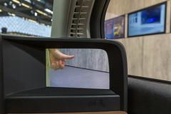 Elektroauto-Kleinwagen Honda-e mit Kamera-Seitenspiegeln im Innenraum