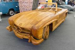 Mercedes 300 SL Gullwing aus Teakholz in Handarbeit originalgetreu nachgebaut von MotorWorld