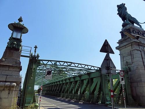 Wien - Am Brigittenauer Sporn 7 a