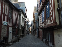 VITRÉ - Photo of Montautour