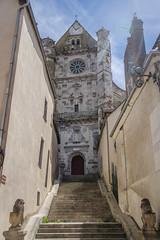 Escalier sous bonne garde vers le Transept nord - Saint-Florentin