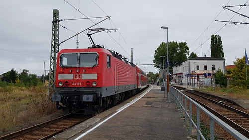 143 193 at Grossenhain Cottb Bf, RB18318 1108 Dresden Hbf to Esterwerda Beihla