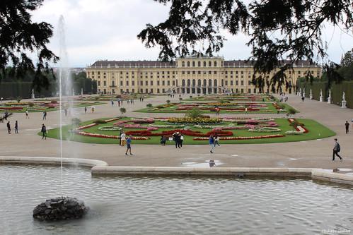 Schönbrunn : le château vu du parc